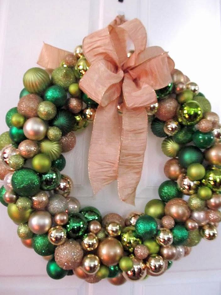 Livelovediy 20 diy christmas ornament wreath ideas a solutioingenieria Choice Image