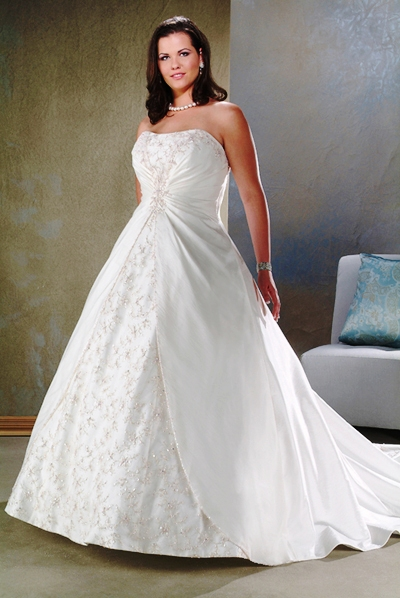 Maryeve dufault searching for an affordable plus size for Discount plus size wedding dresses