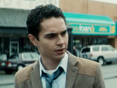 Lee Tourneau (Max Minghella) en la película Cuernos - Cine de Escritor