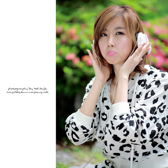 Choi Byul I with leopard jacket and shorts