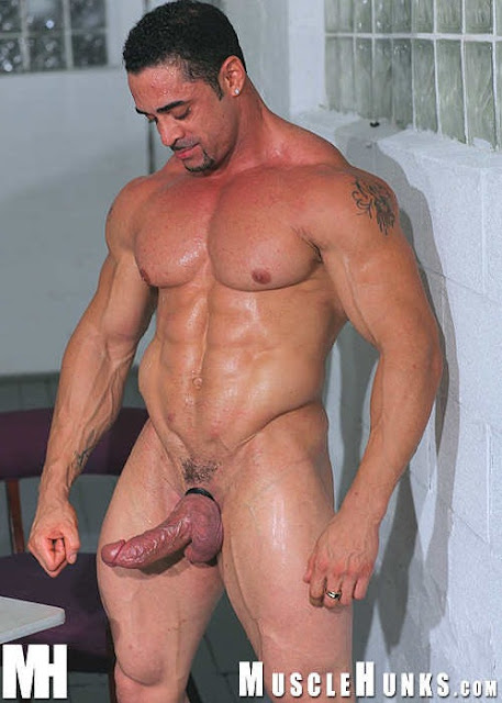 Gay muscle men bears free tube