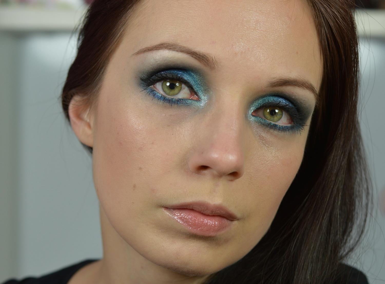 Blauer Lidschatten grüne Augen