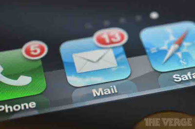 How to minimize email in iPad