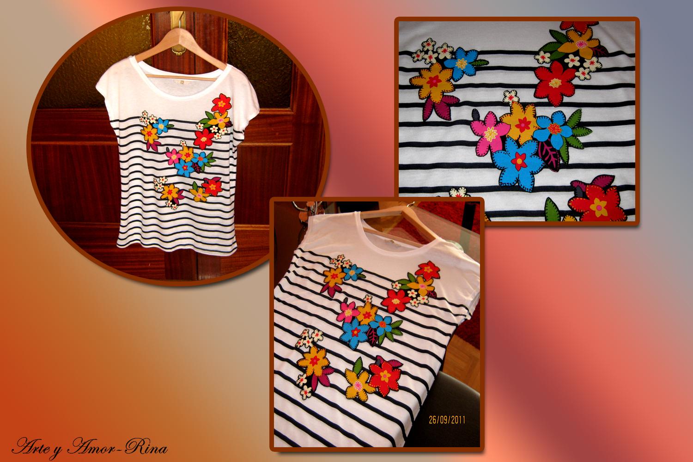 Camiseta tuneada con aplicaciones en tela