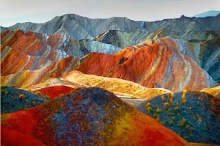 Gunung+Danxia+4 Gunung Danxia, Gunung Kaya Warna Yang Mirip Dengan Pelangi