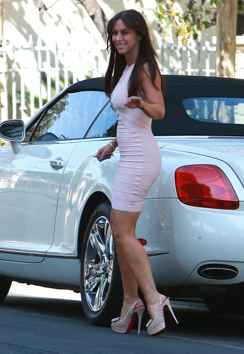 photo of Jennifer Love Hewitt Bentley Continental - car