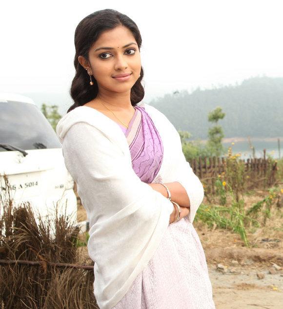 Deiva Thirumagan  Tamil Movie StillsPicsWallpaper Gallery leaked images