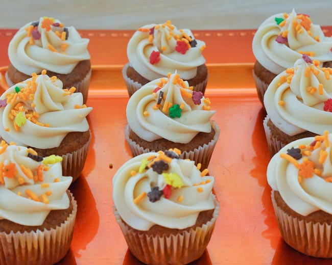Beki Cook 39 S Cake Blog Pumpkin Mini Cupcakes With Cream