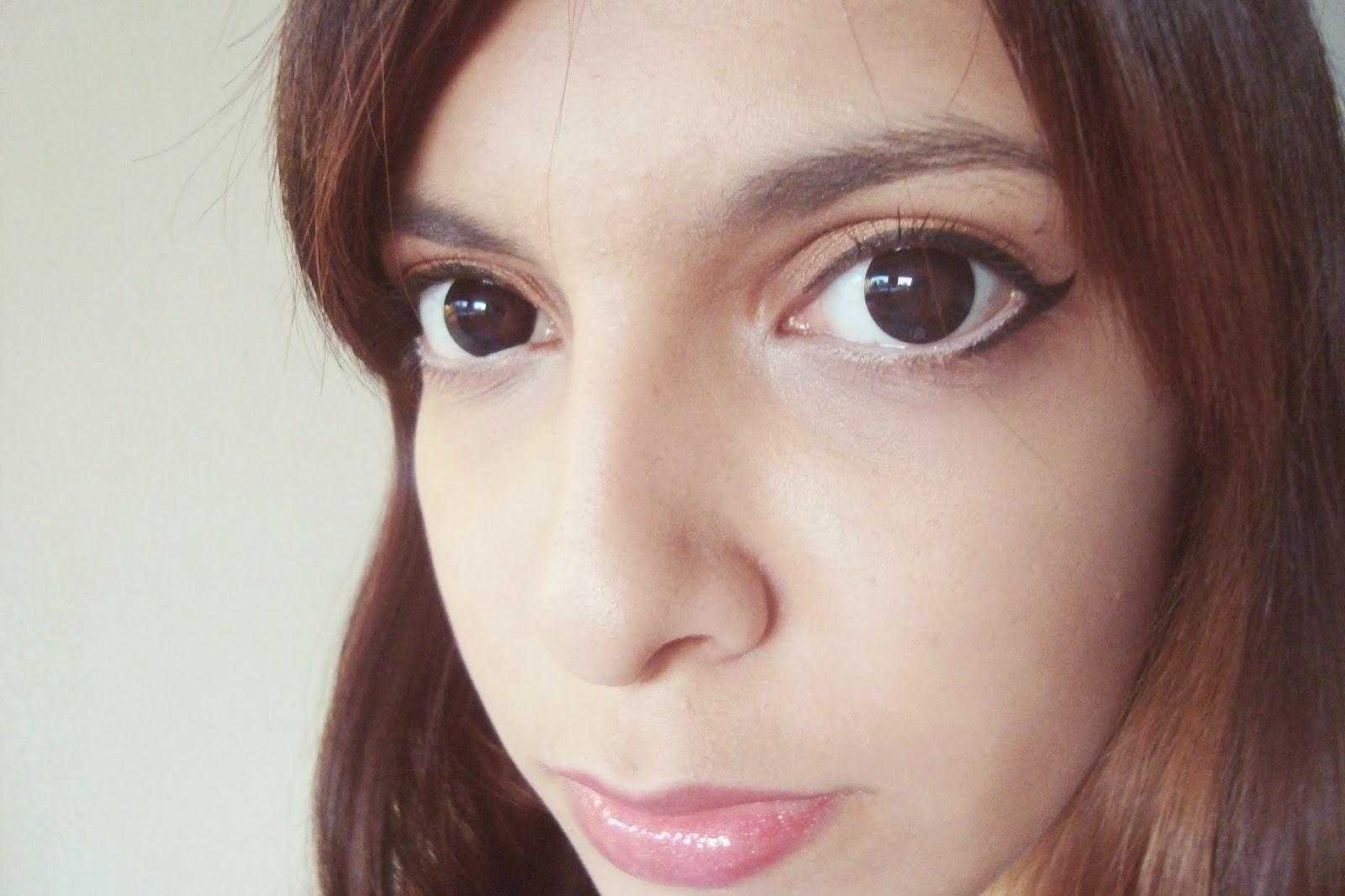 Create Cat Eyes with Solone Fantasy Vivid Smoothy Pencil