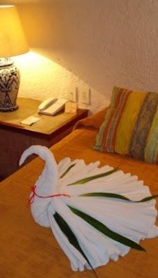 Toalla cisne origami con toallas towel origami for Adornos con toallas