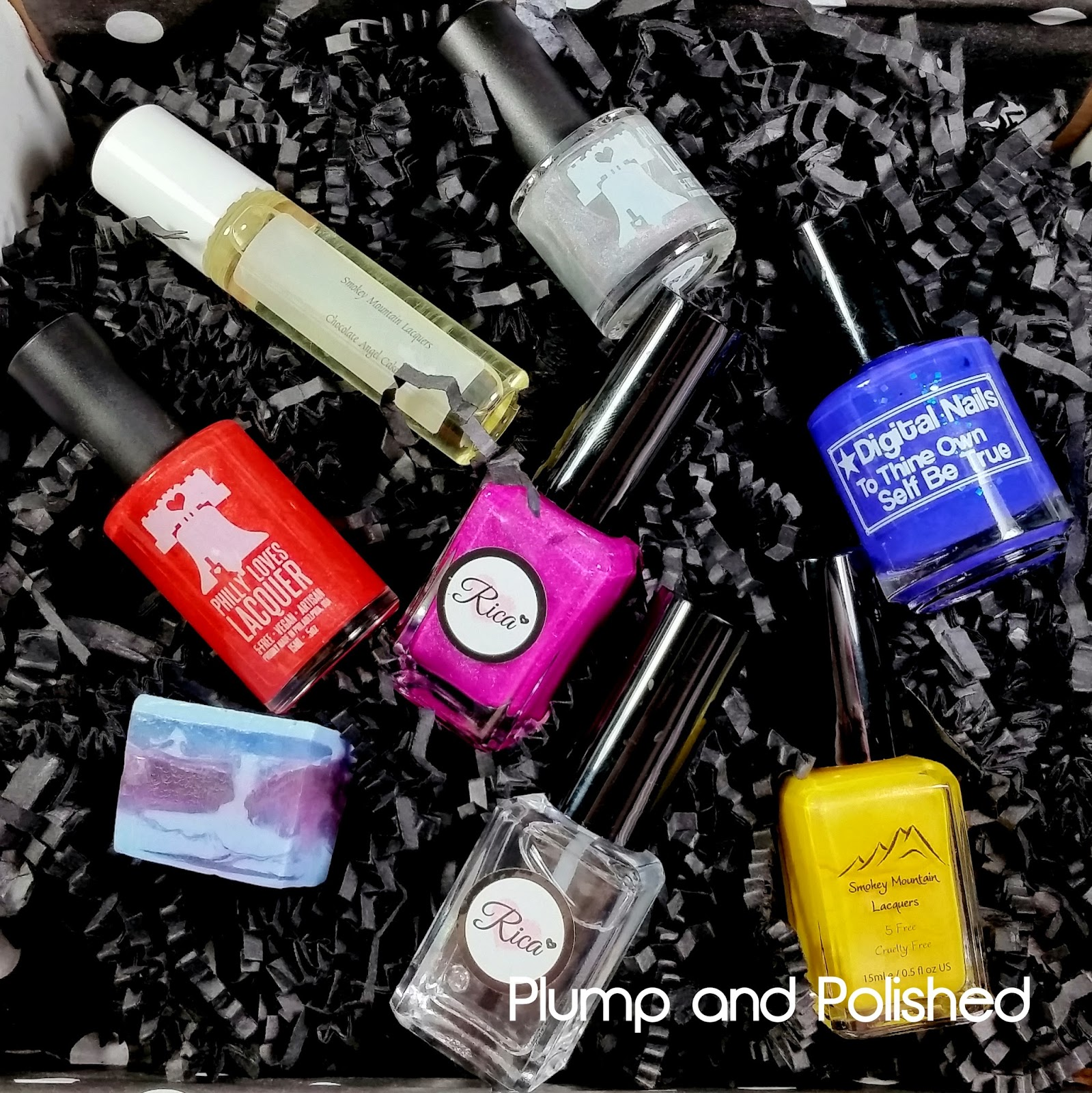 Beauty Quartet Box - Out with the Cold, In with the Hue [April 2015]