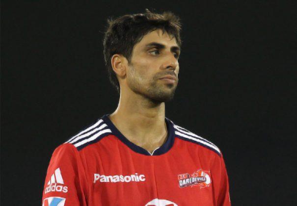 Ashish-Nehra-DD-vs-CSK-IPL-2013