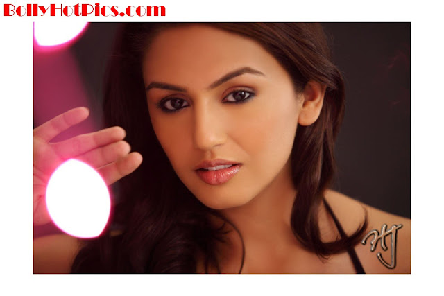 HUMA QURESHI Unseen Photo Gallery