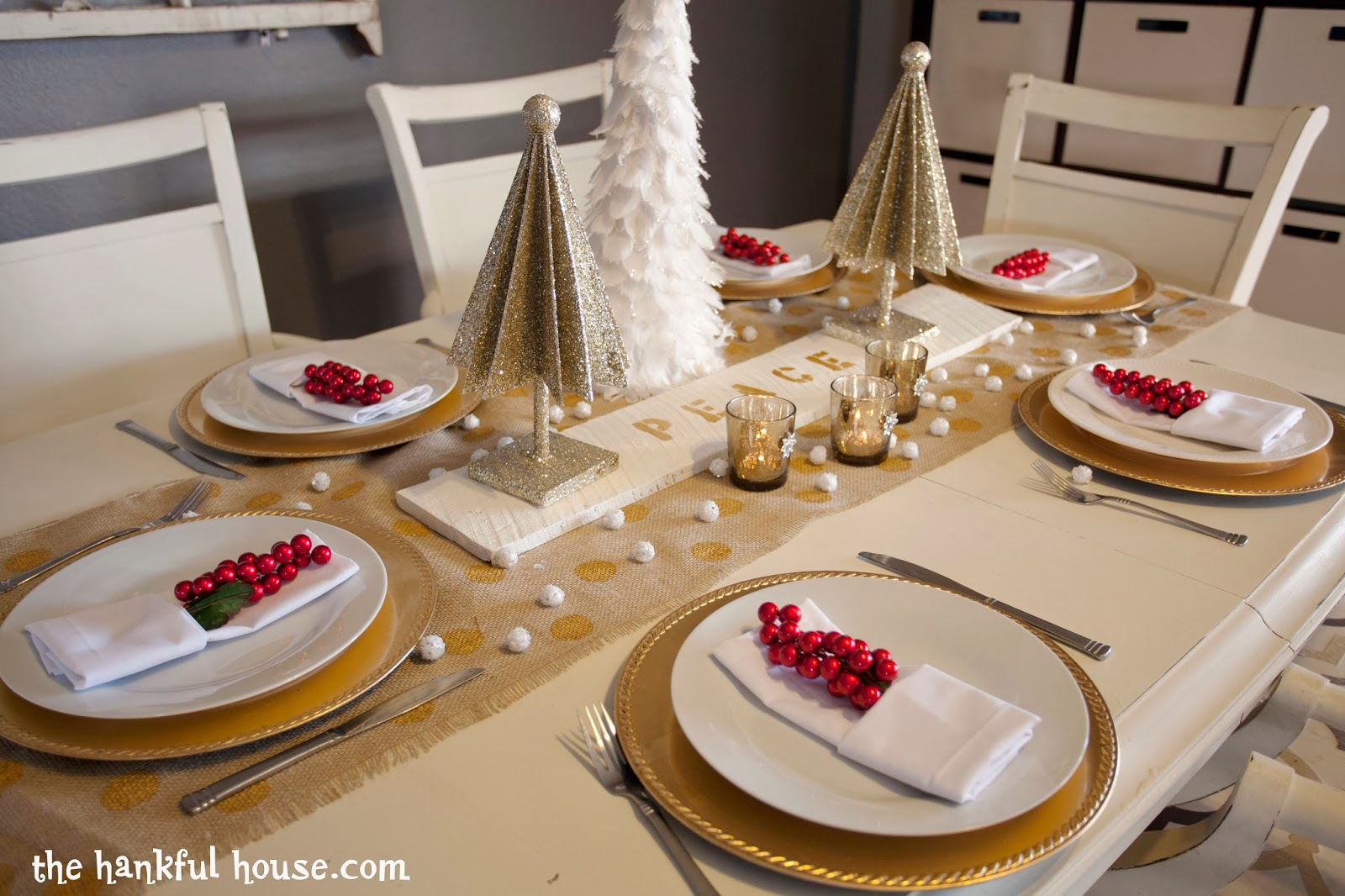 17 spectacular photo of white and gold table settings concept home living now. Black Bedroom Furniture Sets. Home Design Ideas