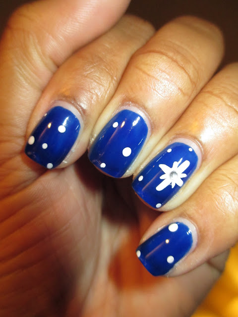 Christmas, Revlon Royal, blue, star of Bethlehem, nail art, nail design, mani