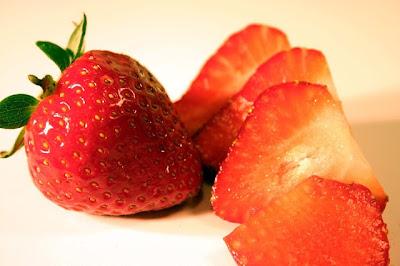 صورة طبيعية لفاكهة الفراولة الناضجة