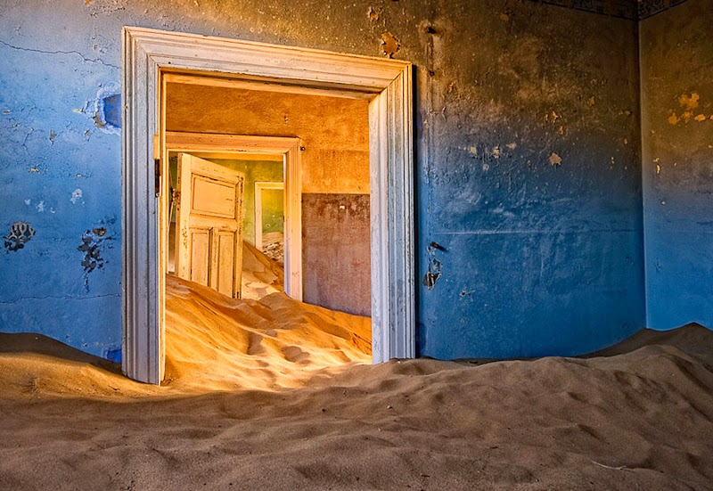 2. Kolmanskop, Namibia - 31 Haunting Images Of Abandoned Places That Will Give You Goose Bumps