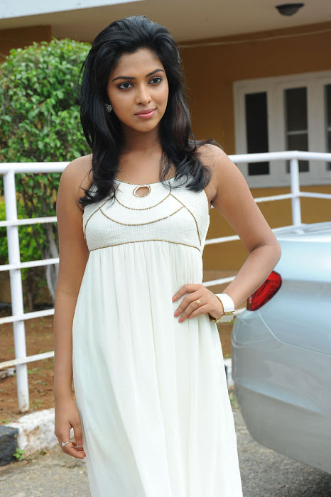 amala paul spicy galley in white dress at event photo gallery