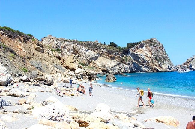 Trip around Skiathos: Kastro beach  GLAM FAB HAPPY