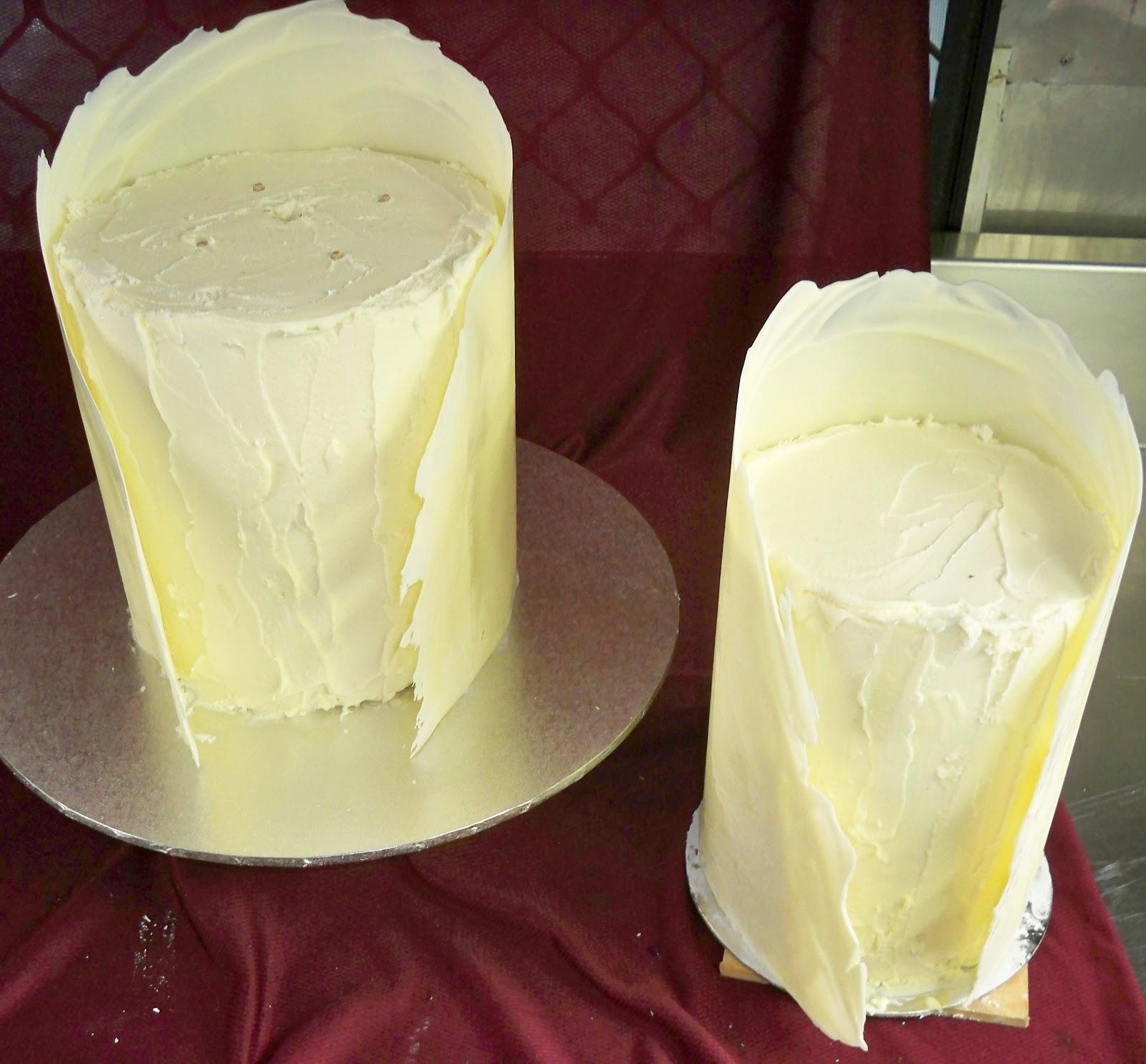 elegant white chocolate tower with chocolate collar | Elisabeth\'s ...