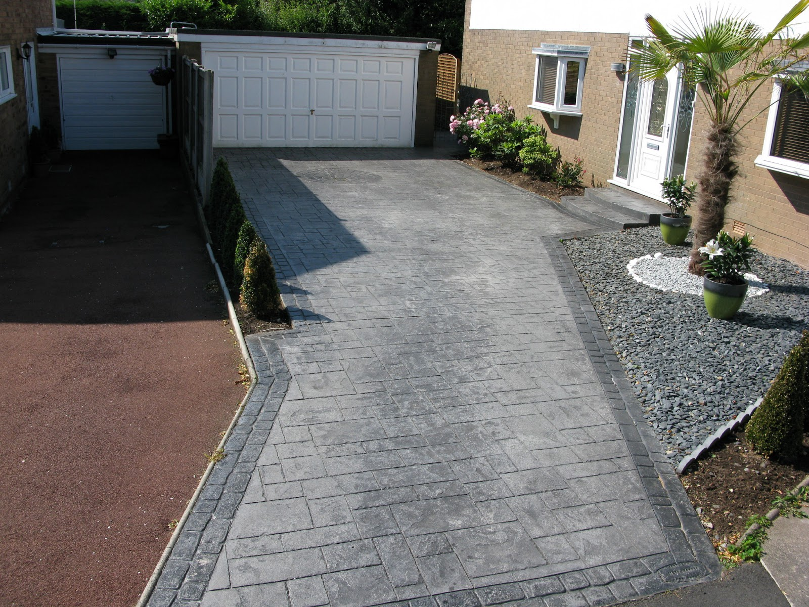 Northern cobblestone blog pattern imprinted concrete for Camino de piedra jardin