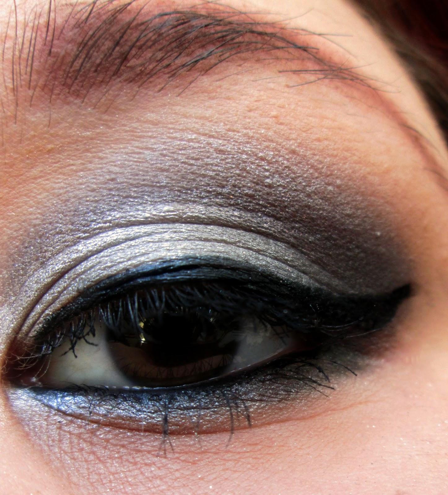 Макияж глаз карандашами фото