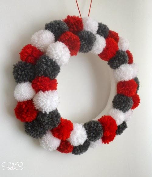 Corona Navidad Pompones pom pom Christmas wreath