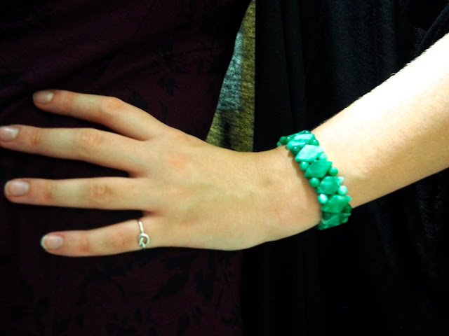 Fly Away | outfit jewellery details of silver knot ring and jade bead bracelet