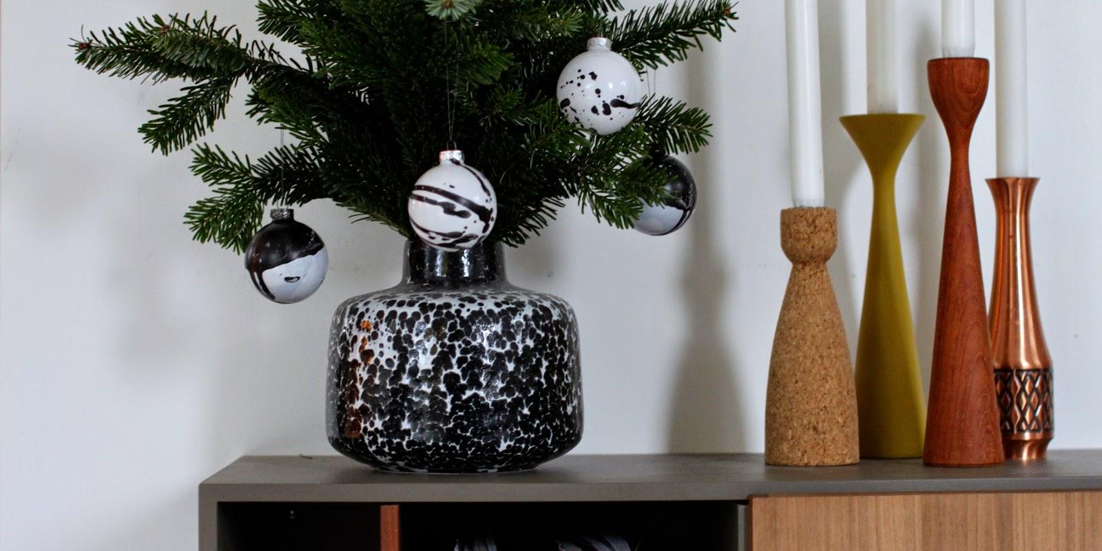 Julekugler sort/hvid