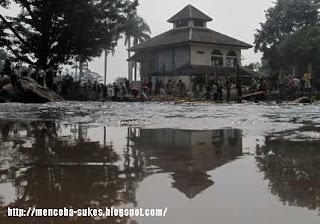 http://faktabukanopini.blogspot.com/