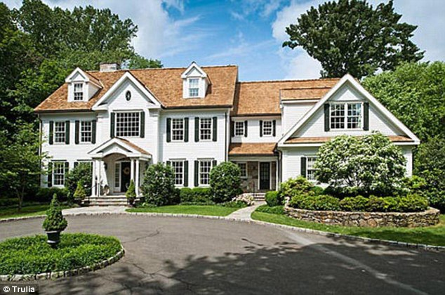 Homes of the rich and famous elisabeth hasselbeck 39 s new for Connecticut home builders