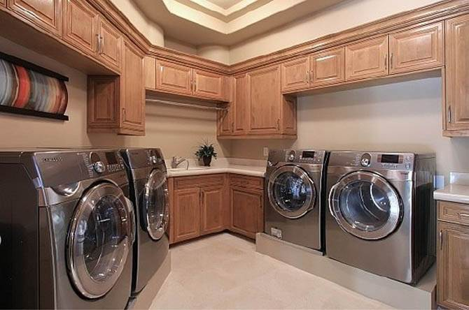 Wooden Laundry Room Interior Nicolas Cages Former House