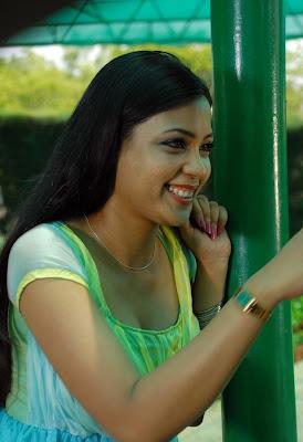 Hot Tamil Actress Kareenasha Photos