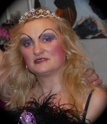 madmumof7 in drag, makeup, tiara, http://www.madmumof7.com