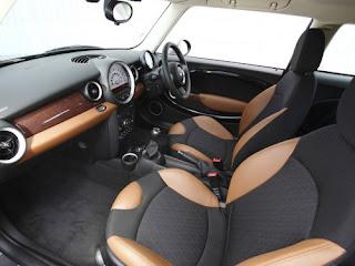 Mini Cooper Hatch interior photos