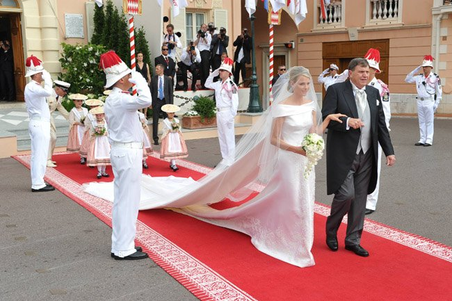 Vestidos de novia armani 2016