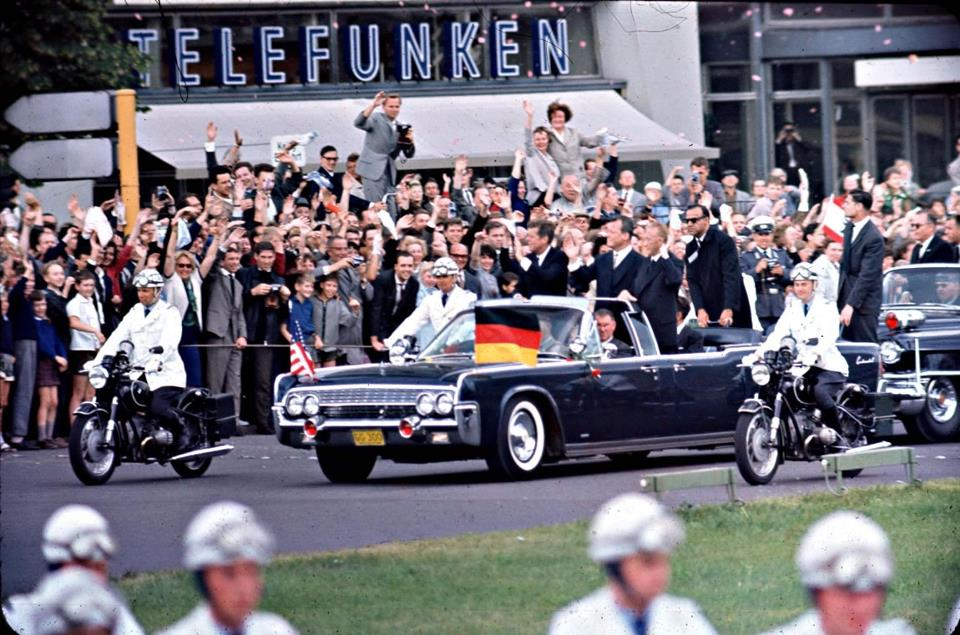 JUNE 1963: AGENTS ON JFK'S LIMO