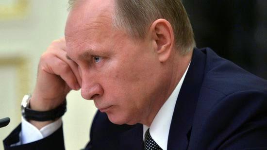Ένας πολιτολόγος βλέπει τη διαχρονική στήριξη της Ρωσικής ελίτ να εξαφανίζεται από τον Πούτιν.