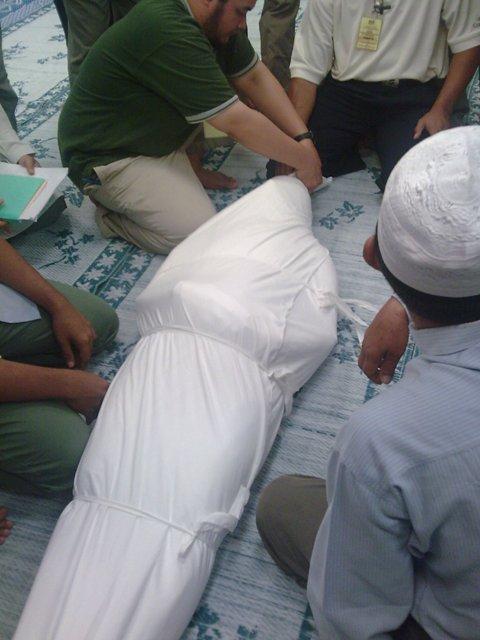 http://2.bp.blogspot.com/-JukK6Z8Ivts/T_0gpK9TQfI/AAAAAAAADF8/8sJR0TsdLIo/s1600/Jenazah+islam.jpg