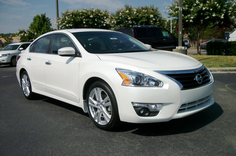 differences features all new nissan altima 2015 nissan altima by 2010 car reviews. Black Bedroom Furniture Sets. Home Design Ideas