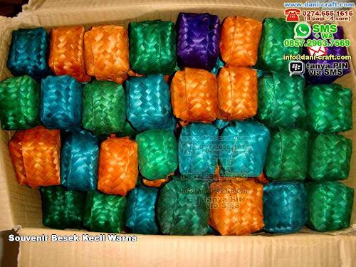 Souvenir Besek Kecil Warna Bambu Jakarta Barat