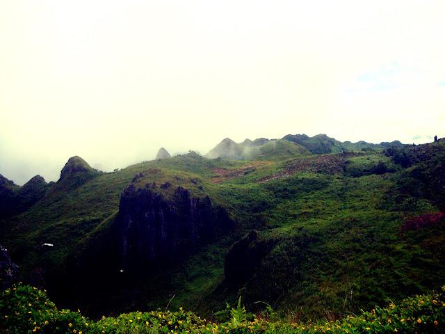 Osmena Peak like the chocolate hills in Bohol