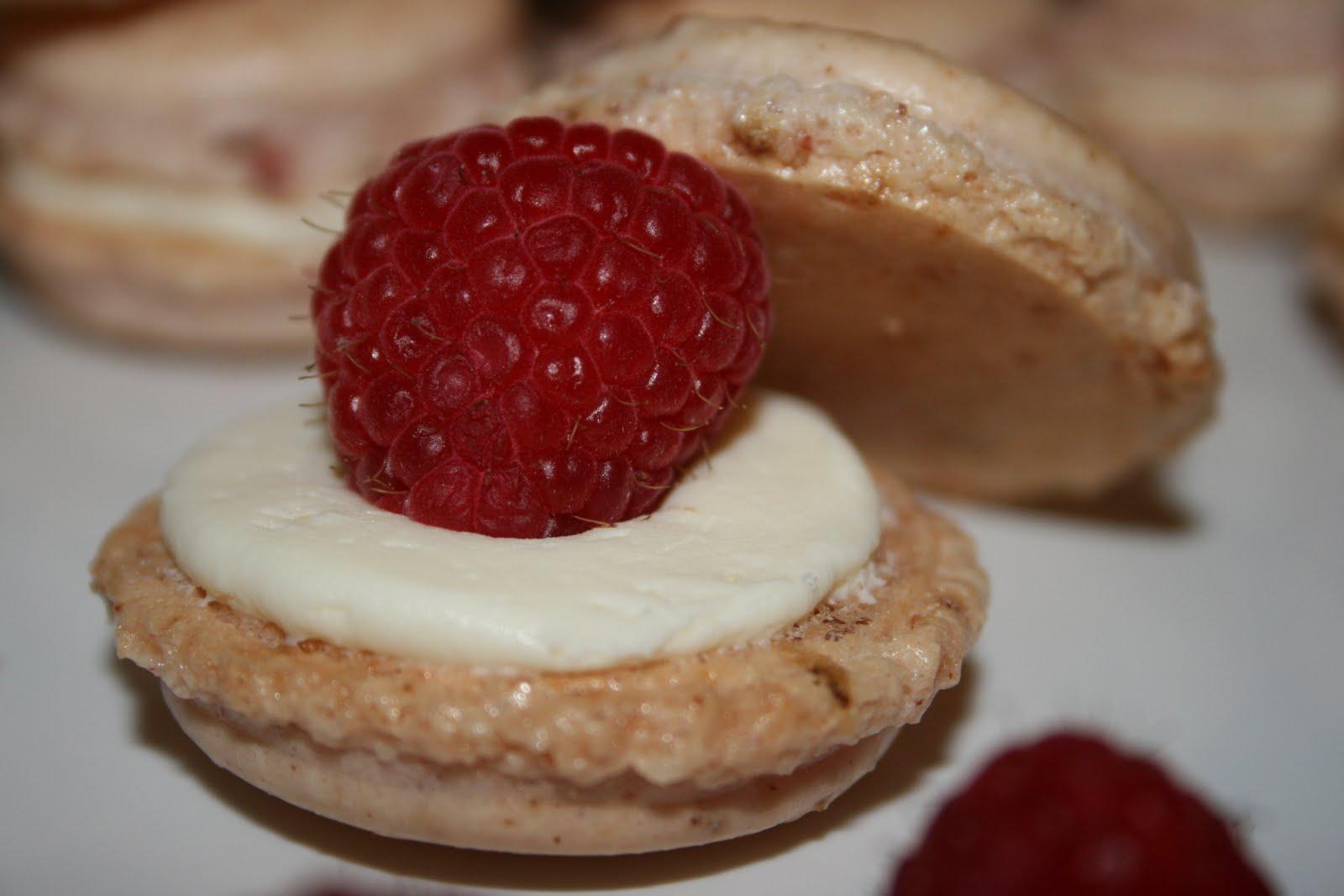 Radelicious. ~ Strawberry Vanilla French Macaron with Fresh Raspberry ...