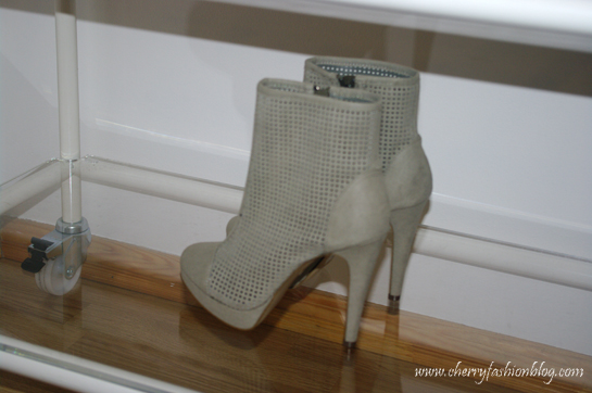 Grey H&M Spring 2013 boots, Grey ankle boots