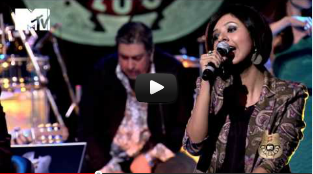 Nenjukulle from Mani Ratnam's Kadal performed by A R Rahman at MTV Unplugged