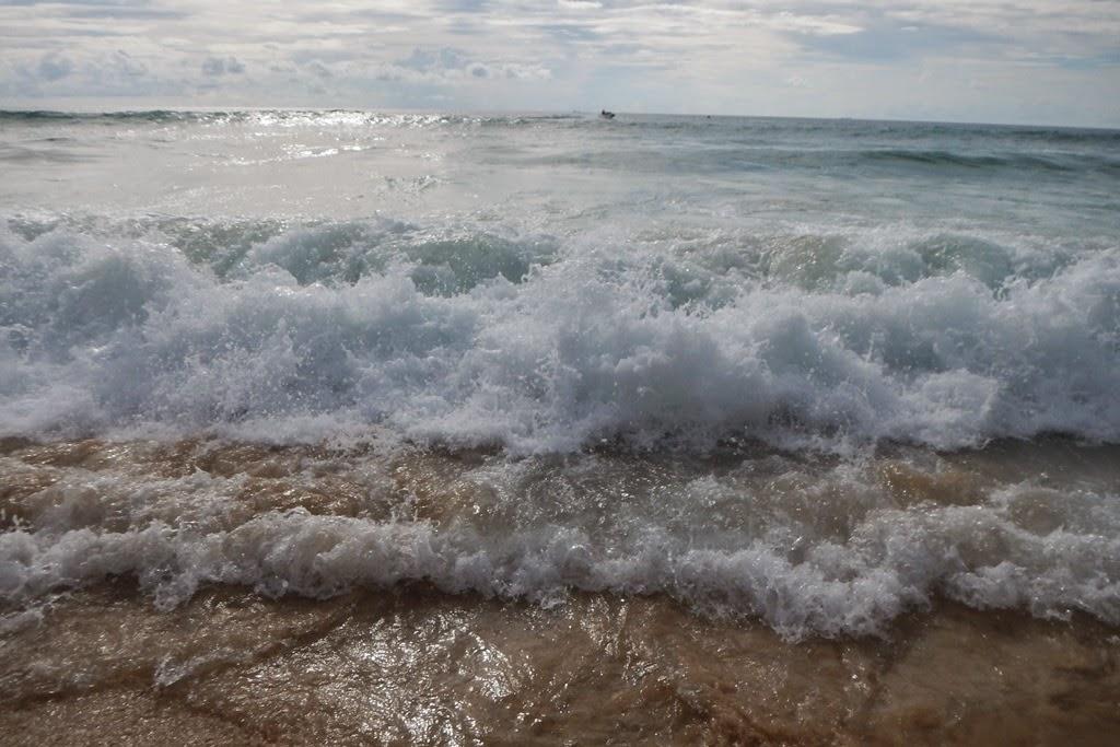 Suring Beach Phuket wave