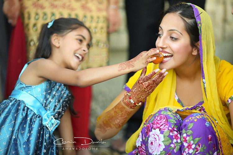 Punjabi Wedding Rituals East Indian Sikh Marriage Photography Jaago Chunni Ceremony Mehndi Party Pictures Maiya Ca