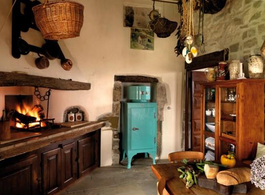 Estilo rustico bella casa rustica en la liguria - Cocinas antiguas rusticas ...