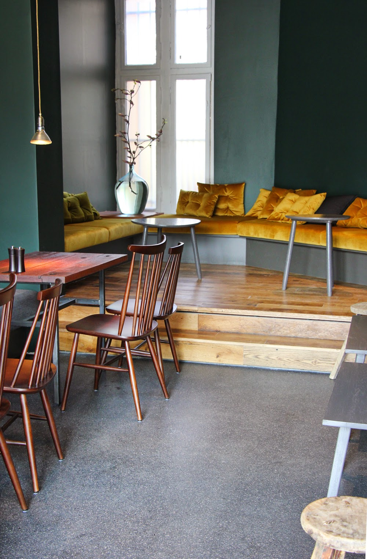 anneliwest berlin frau l ske ein kaffeehaus f r lichterfelde west. Black Bedroom Furniture Sets. Home Design Ideas