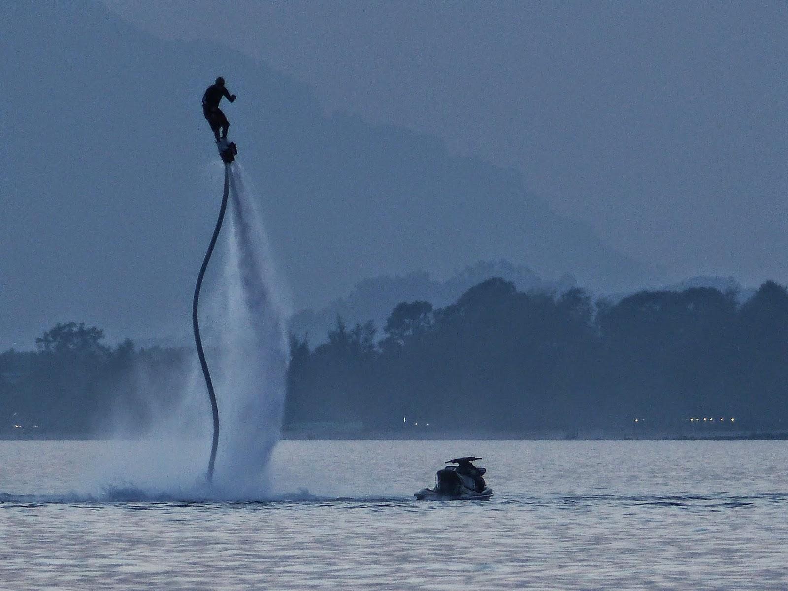 Ocean Hover - Boarding